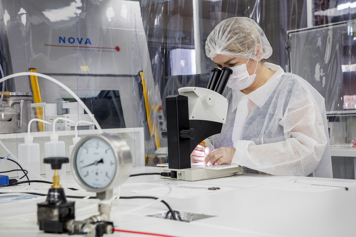 Nous assurons la fabrication et l'assemblage de vos dispositifs médicaux en environnement contrôlé.